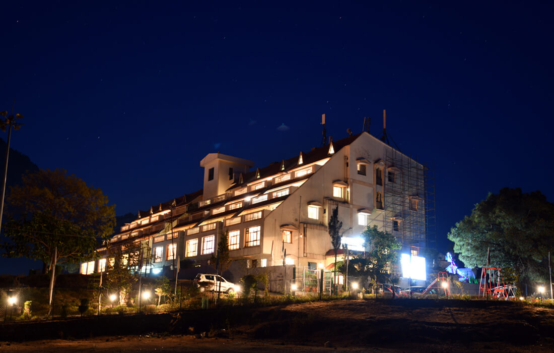 awesome view of dynasty resort at night