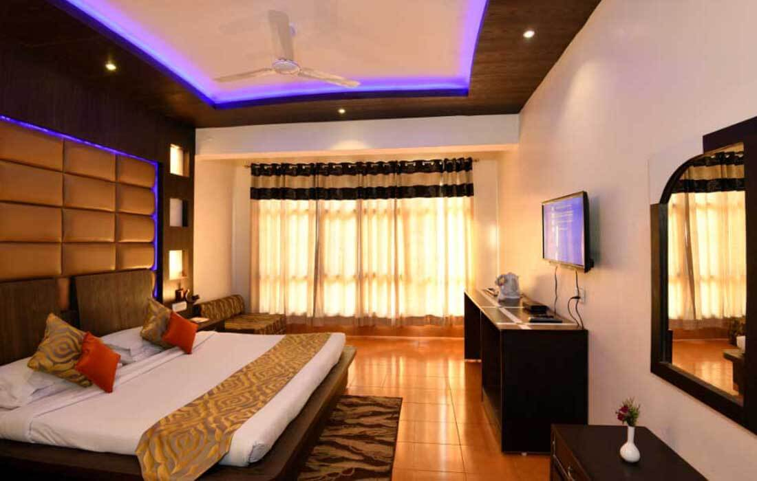 deluxe room at nainital best hotel, dynasty resort