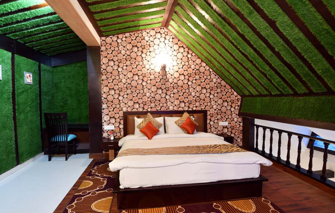 Double size king bed dynasty resort maharaja room, full of luxury